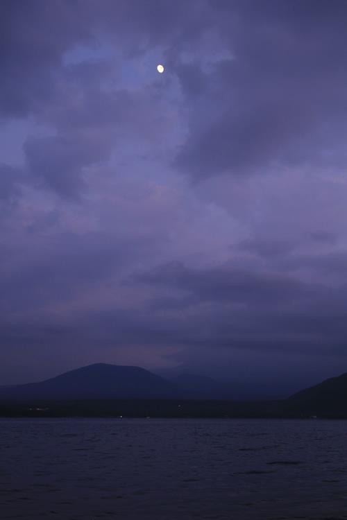 月明かりに富士は照らされず。 2011/10/8  17:37