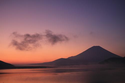 富士のシルエット 2011/10/9  5:32