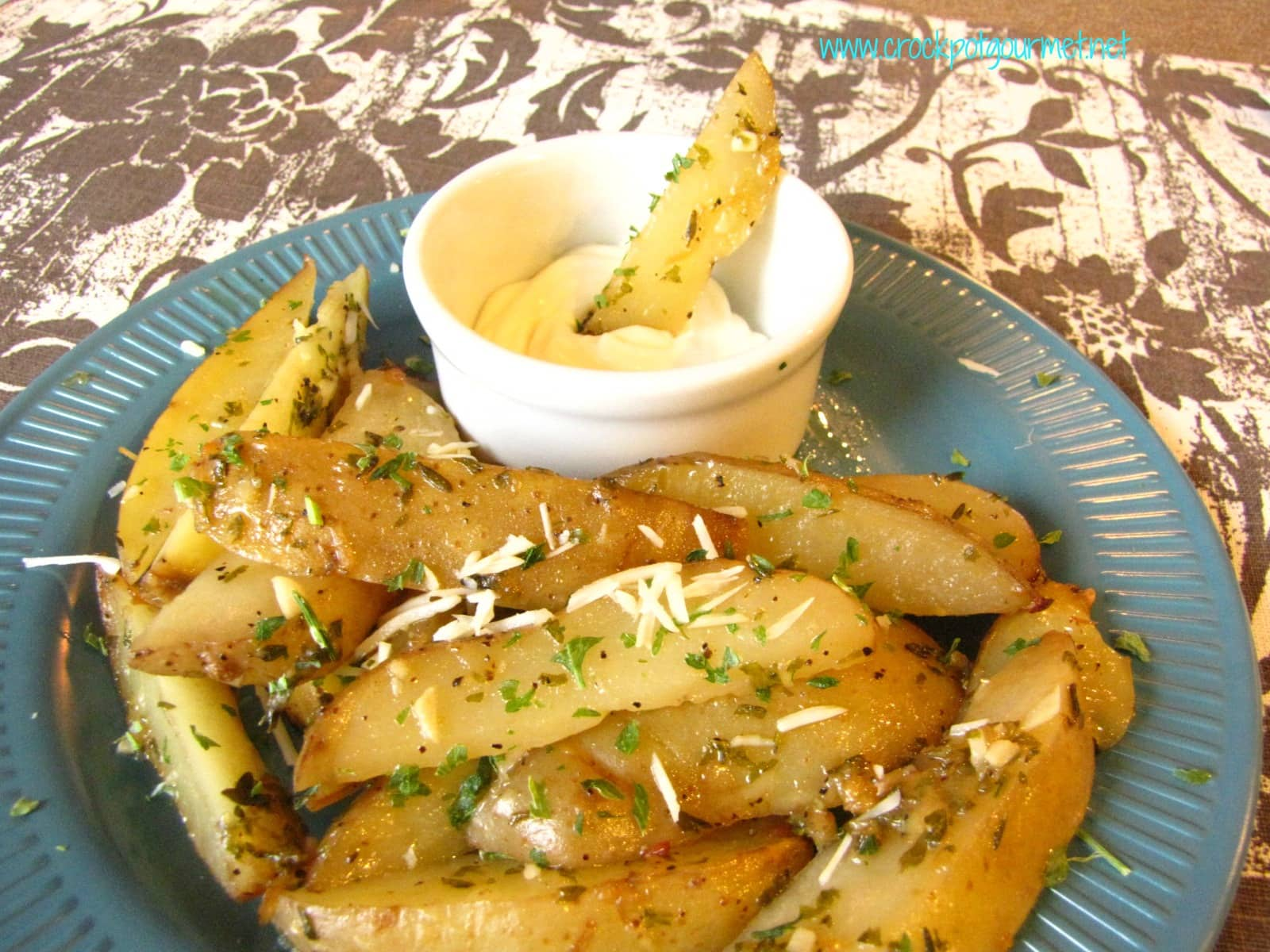 Slow Cooker Crispy Potato Wedges