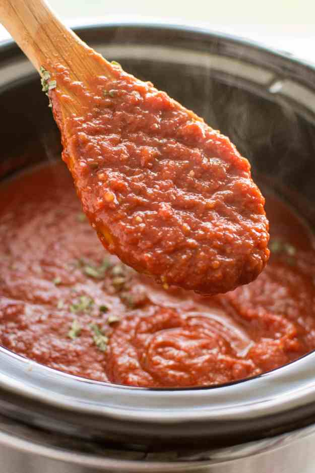 Slow Cooker Roasted Garlic Marinara
