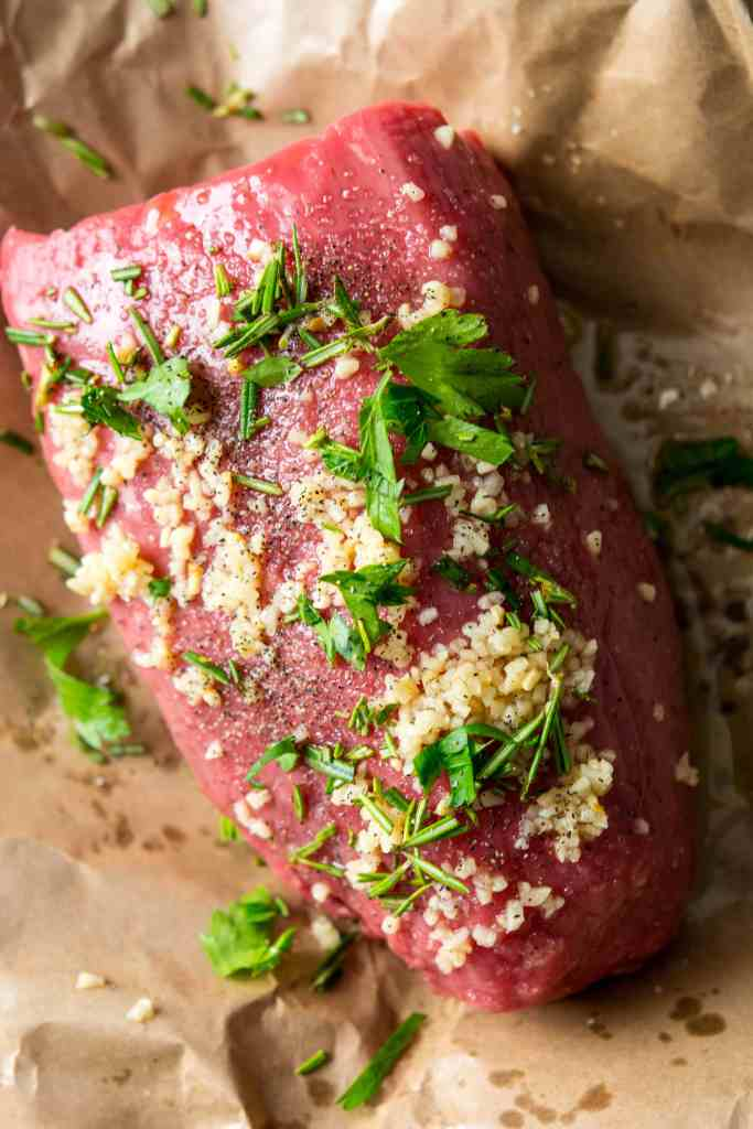 Slow Cooker Rosemary Roast Beef