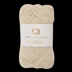 Recycled Bottle Yarn genanvendte plastikslasker fibre Karen Klarbæk bæredygtigt garn Præstø