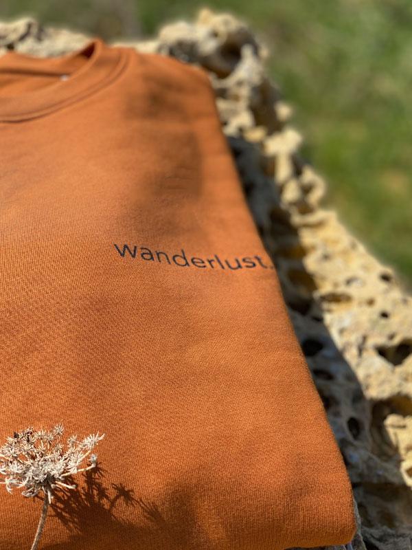 nachhaltiger-pullover-sweatshirt-wanderlust-2-slowli