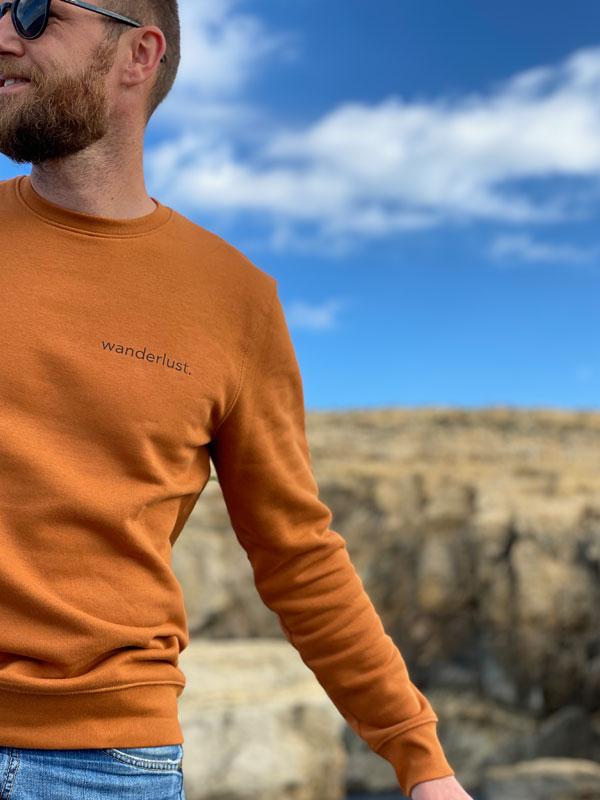 nachhaltiger-pullover-sweatshirt-wanderlust-4-slowli