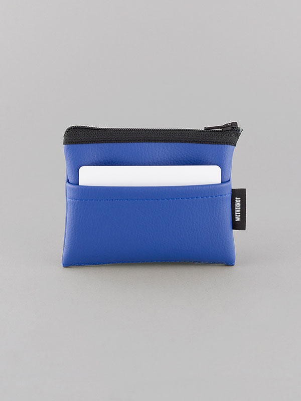 wetheknot-nachhaltig-vegan-leder-cardholder-portmonee-geldboerse-blau-1-slowli