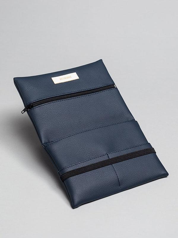 wetheknot-essential-pouch-darkblue-vegan-leather-2_slowli