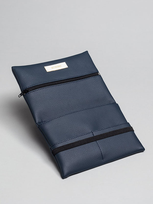 wetheknot-essential-pouch-darkblue-vegan-leather-2_slowli