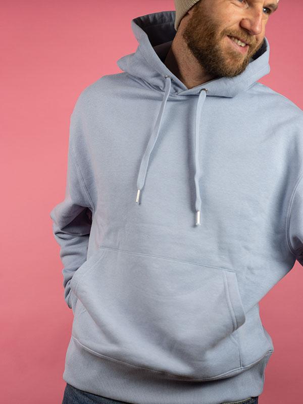nachhaltiger-oversize-pullover-hoodie-minimalist-blau-blue-2-slowli