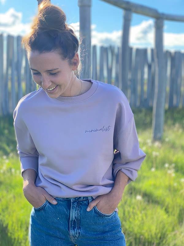 nachhaltiger-Pullover-minimalist-lila-fair-fashion-slowli_10