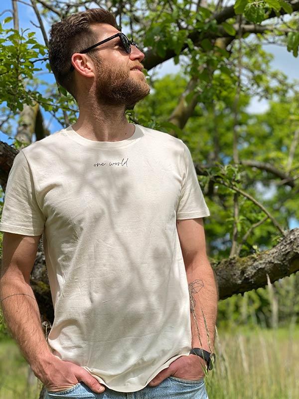nachhaltiges-shirt-one-world-vintage-white-creme-biobaumwolle-slowli_5