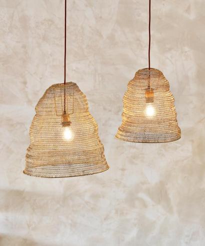 mässingsfärgad lampskärm