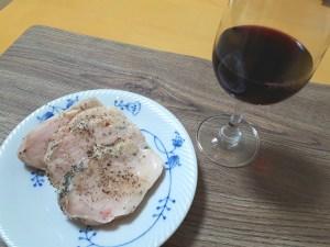 低温調理鶏ハムでワイン
