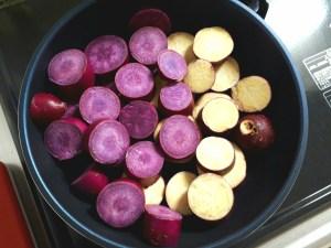 紫芋と普通のさつまいも