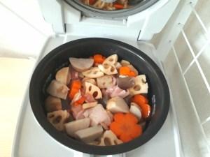 つっしーさんの炊飯器で作るお煮しめ