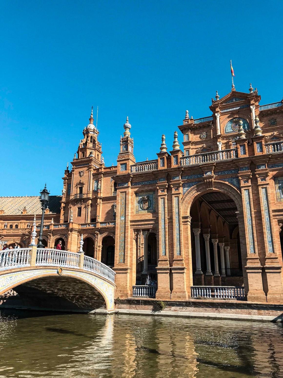 tailed bridge in plaza de Espña Seville