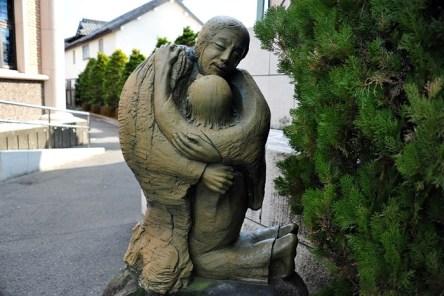 시마바라 성당에 있는 조각상 (사진: 빛=사랑)