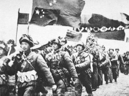 결국 한국전쟁에 참전하는 중공군
