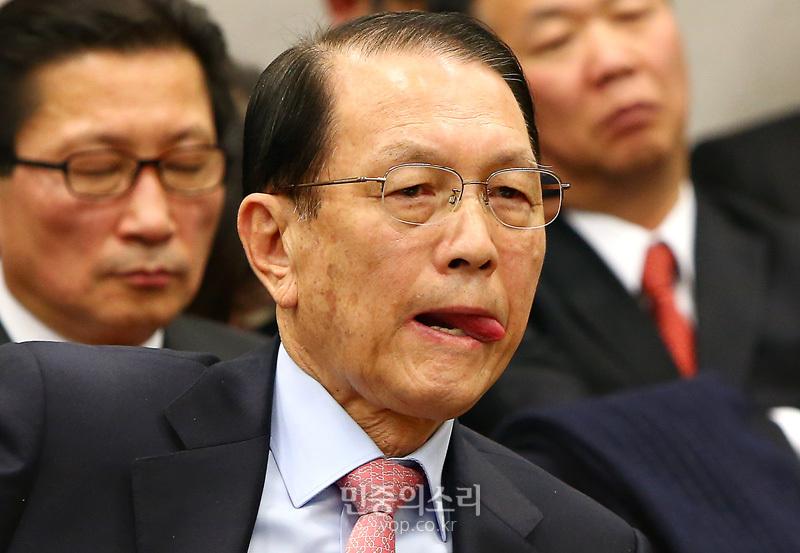 김기춘 (사진 제공: 민중의소리) http://www.vop.co.kr/A00000871970.html