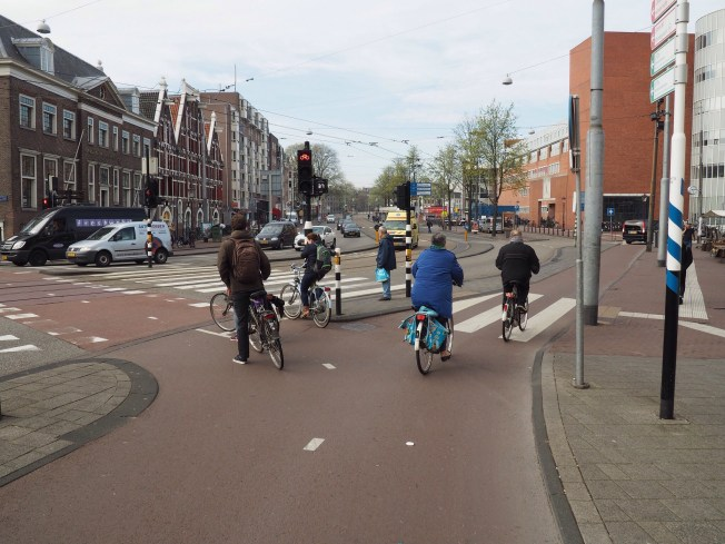 A Dutch separated Intersection in Amsterdam