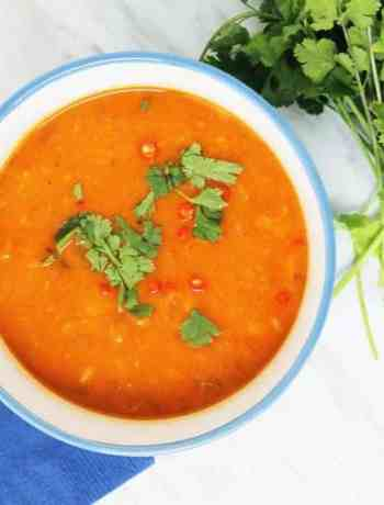 Roasted Sweet Potato & Butternut Squash Soup is the perfect winter warmer. Spicy and Thai inspired, full of flavor and healthy! Fall soups | Thai soups | Vegan soups | Roasted Sweet Potato Soup Recipes | Roasted Sweet Potato Soup with Coconut Milk | Thai soup | Healthy soups