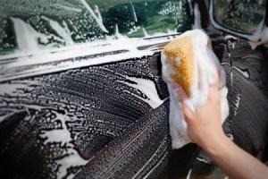 limpar vidros carro