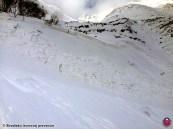 Nebezpečné tvrdé snehové dosky sa uvoľňovali už pri malom dodatočnom zaťažení, Smutná dolina, Západné Tatry, 20. január 2016