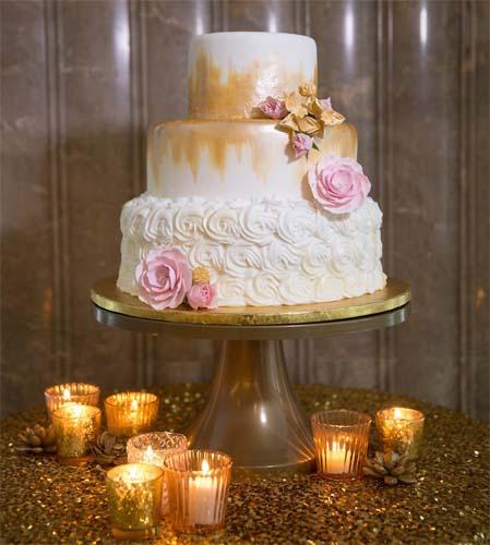 tort na wesele ze zlota polewa