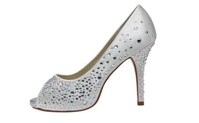 lśniące buty ślubne