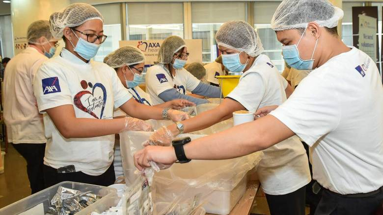 AXA volunteers