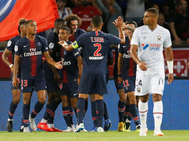 Adrien Rabiot celebrates scoring the second during the Ligue 1 game between Paris Saint-Germain and Caen on August 12, 2018