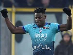 Atalanta forward Duvan Zapata celebrates scoring against Juventus in December 2018