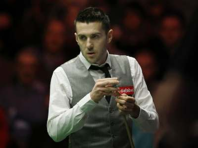 Mark Selby Advances Into World Snooker Championship