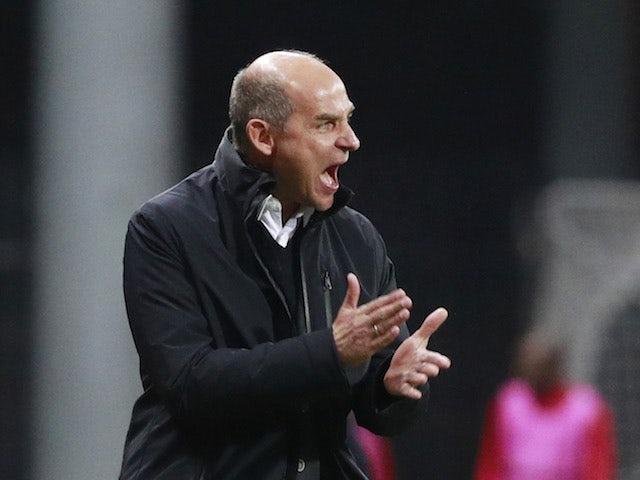 Zorya Luhansk head coach Viktor Skripnik shouts during a Europa League game in October 2020