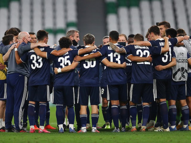 Melbourne Victory players celebrate in December 2020
