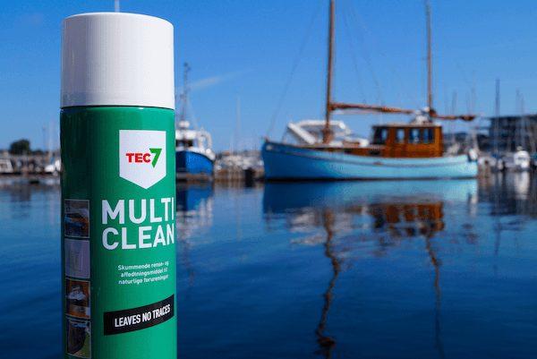 TEC7 Multiclean renser før du skal fuge båden