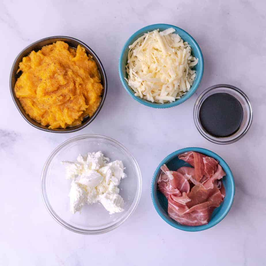 Toppings for mashed butternut squash pizza
