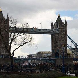 Smaczne Podroze, podroze po swiecie, podroze po polsce, blog podrozniczy, blog turystyczny, samotna podroz, ciekawe miwjsca, przydatne informacje, ceny na swiecie, poarady, gdzie się zatrzymac, jak dojechac do, atrakcje, must see, jedzenie, ciekawostki, gdzie jechać na kolejną podroz, porady, ceny biletow, ceny jedzenia, Zwiedzanie Londynu, ceny w Londynie, co warto zobaczyć, Buckingham Palace, Big Bena, Chinatown, Piccadilly Circus, Leicester Square, Hyde Park, Camden Market, Opactwo Westminsterskie, liczne darmowe muzea Londyn, The Monument, Tower Bridge, London Eye, london tub, londyn metro