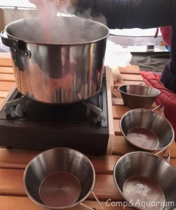 雑煮をシェラカップで