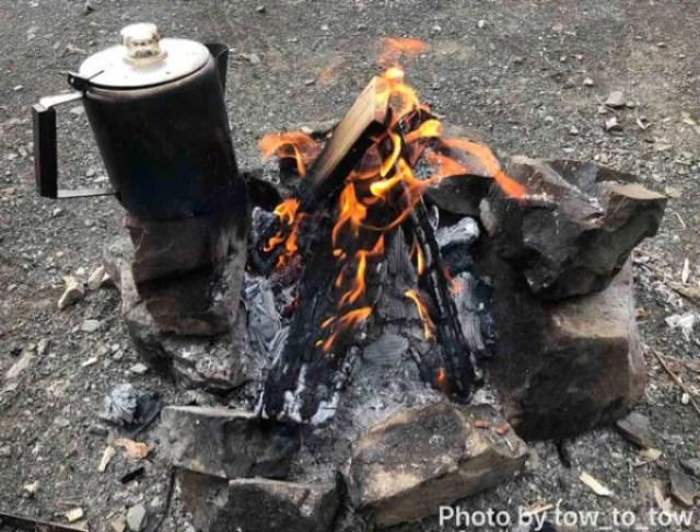 浩庵キャンプ場 直火で焚き火