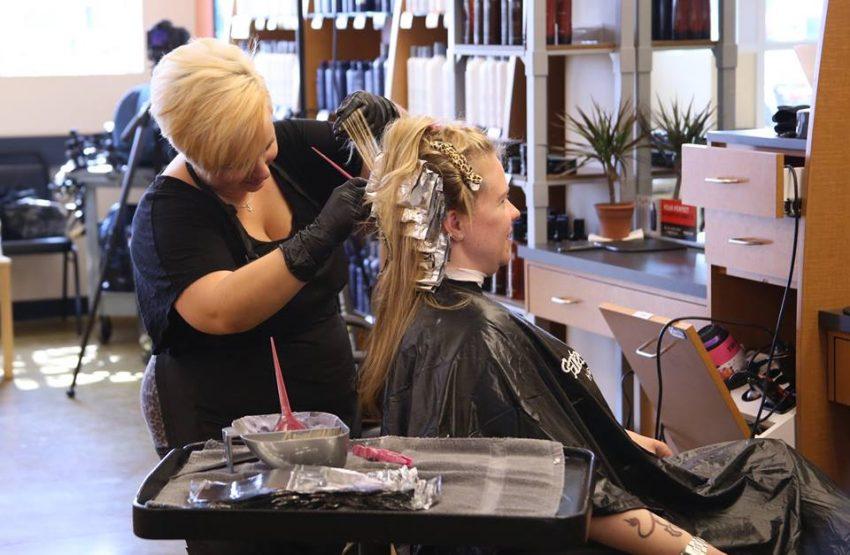 10 Hair Salon Franchises To Outdo Supercuts Small