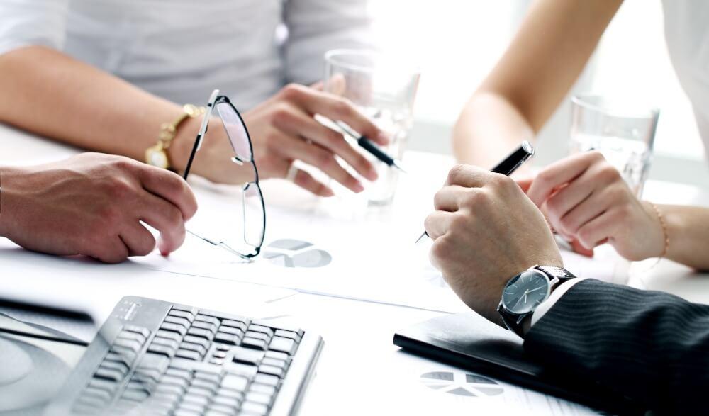 business joan amat tips