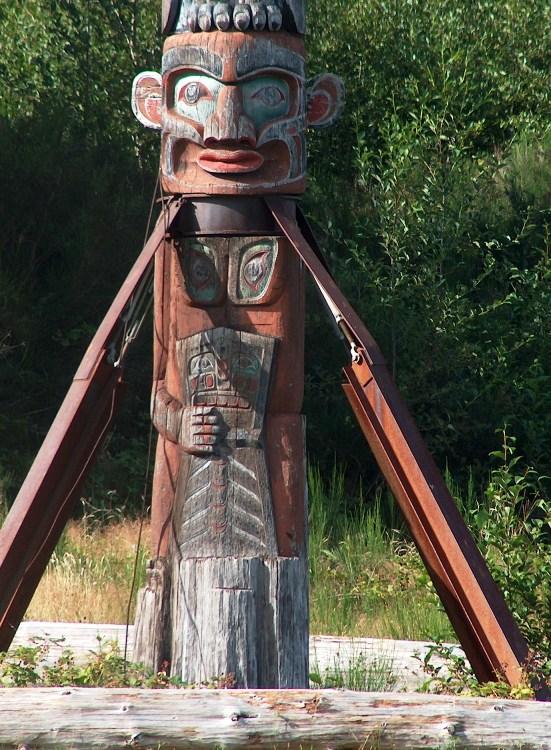 world's largest totem pole 2
