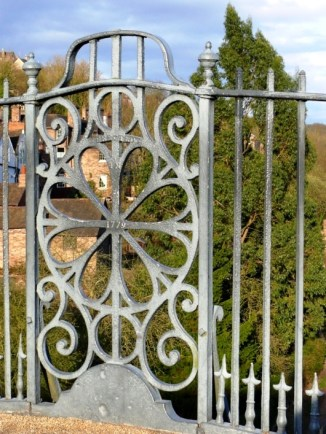 Cast-iron railings