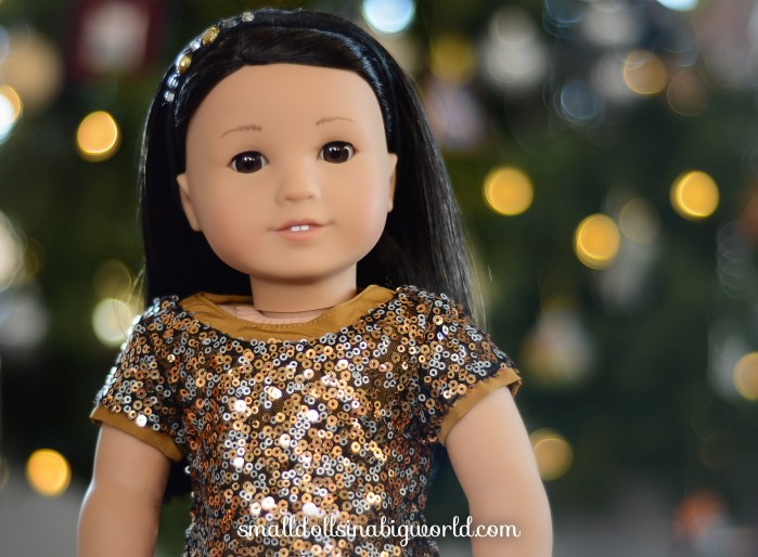 Review: Golden Sparkle Outfit