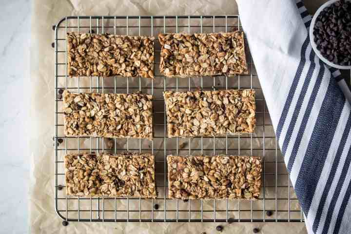 cooling rack with gluten free chocolate chip granola bars