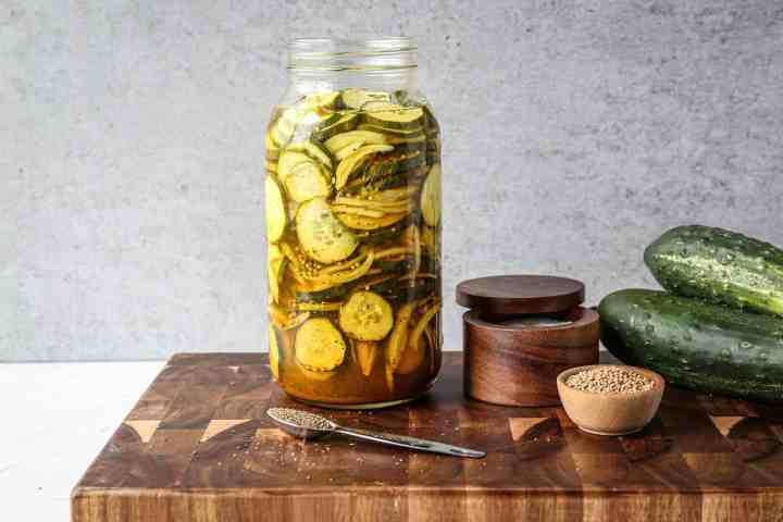 a 2 quart jar of refrigerator bread and butter pickles