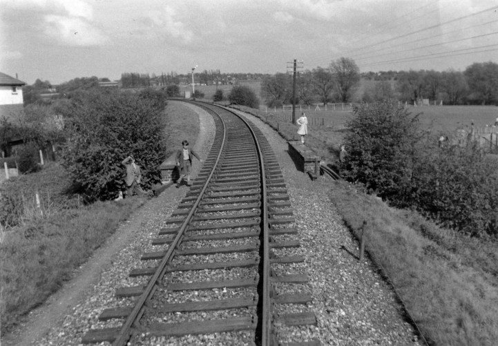 1st Herts Railtour 21 Sadlier Rd track bridge ©