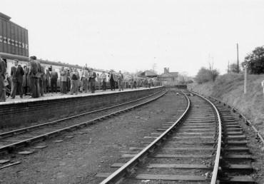 1st Herts Railtour 28 Abbey Stn d ©