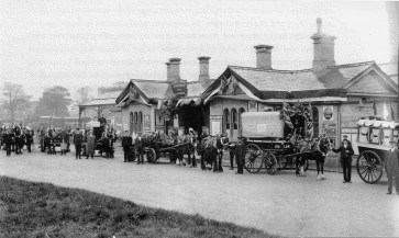 Abbey Stn 17 Forecourt 1908
