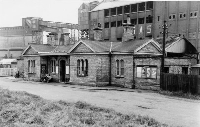 Abbey Stn 19 Forecourt 1958